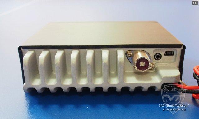 Вид радиостанции Optim 778 сзади
